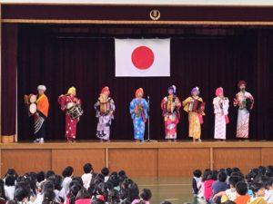小学校公演